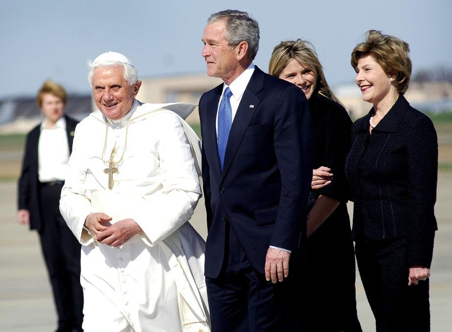 pope-benedict-xvi-84230_1280