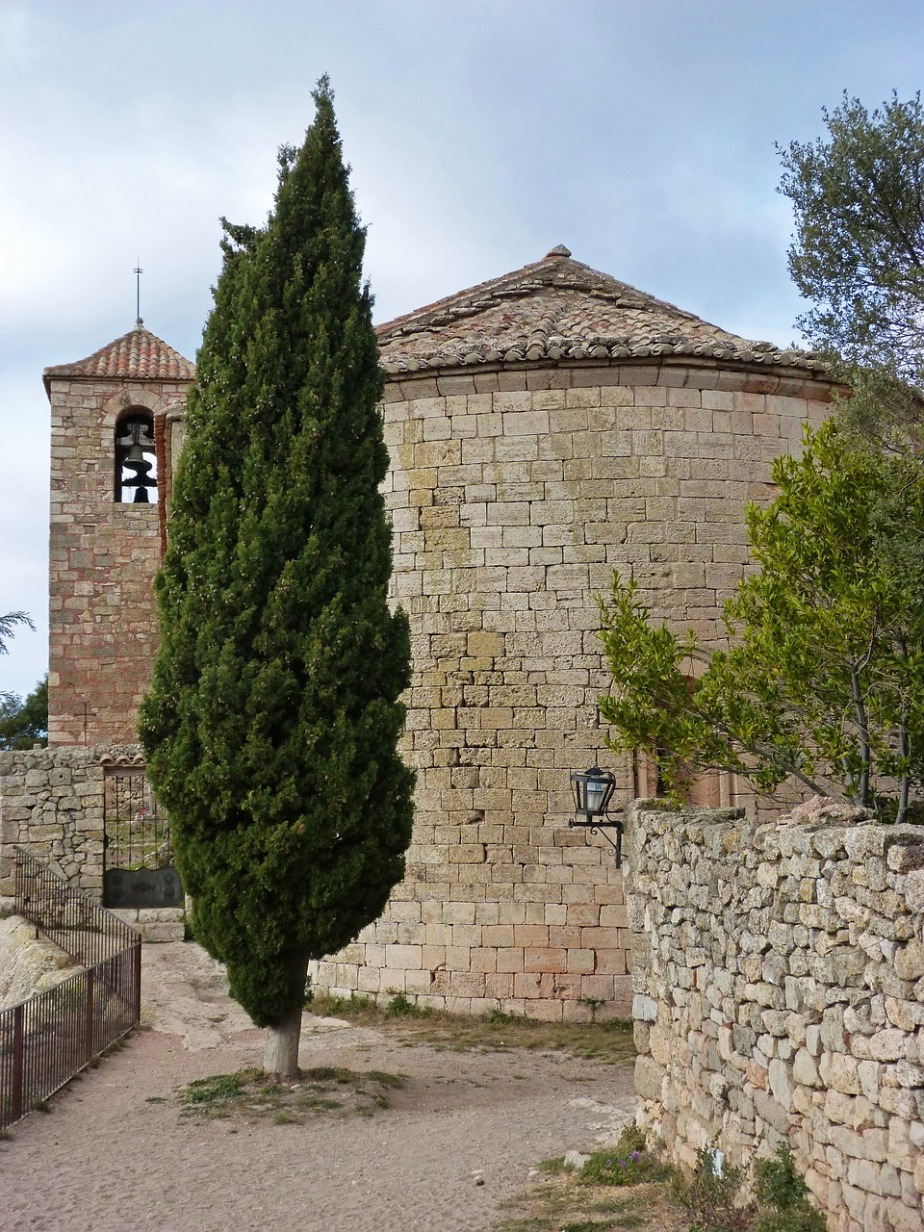 romanesque-church-1171924_1280
